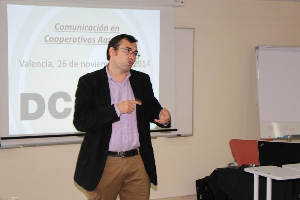 Esteban Carneros, en un momento de su intervención