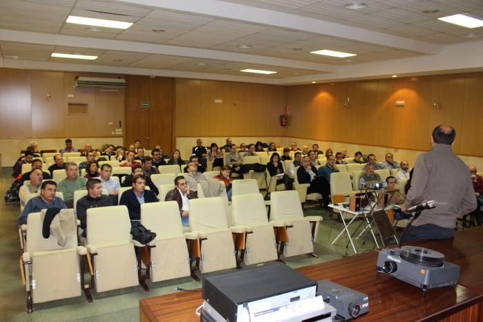 Numeroso público se reunió para asistir a la Jornada